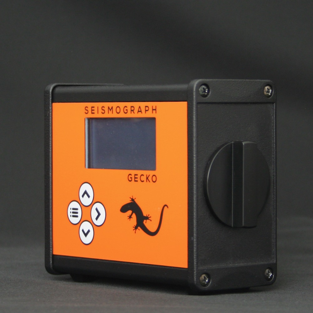 Compact 4-channel Seismic Recorder